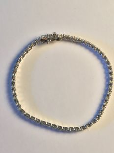 4.7 ct white gold brilliant cut diamond tennis bracelet - good as new