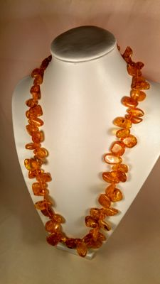 100% Natural Baltic amber necklace, length ca. 68 cm, 67 grams