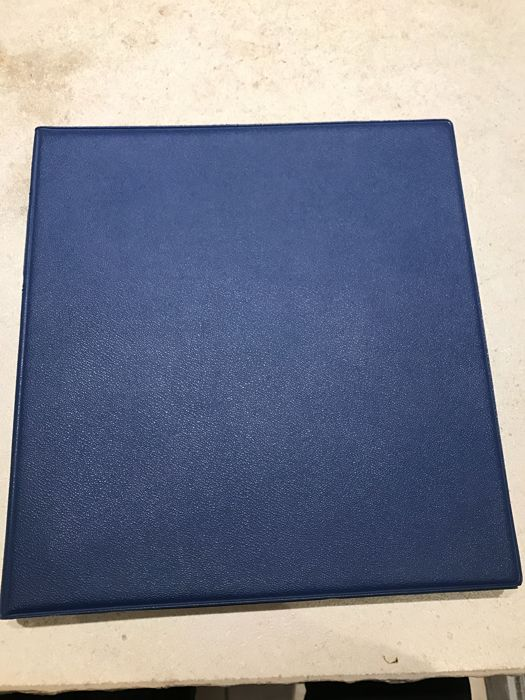 Federal Republic of Germany collection 1949 -1971 in a blue Lindner ring binder with unhinged pre-printed pages