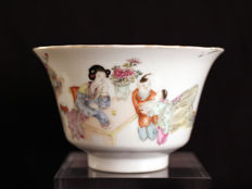 Famile Rose porcelain bowl -China 19th-20 century