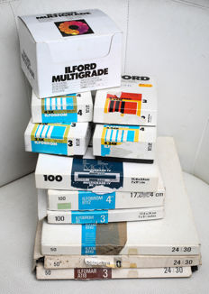 10 boxes of black and white photo paper + 1 ILFORD kit of 12 filters  vintage