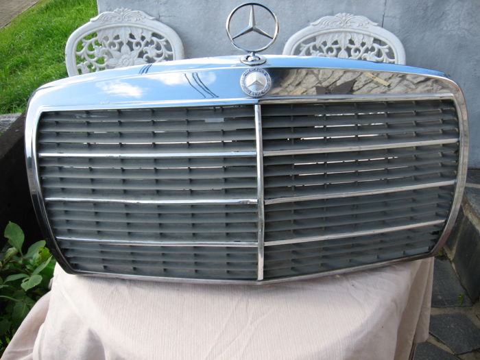 mercedes benz chrome grille with its star for w213. Black Bedroom Furniture Sets. Home Design Ideas