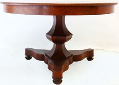 Mahogany veneered Biedermeier dining table - The Netherlands - Ca. 1860.