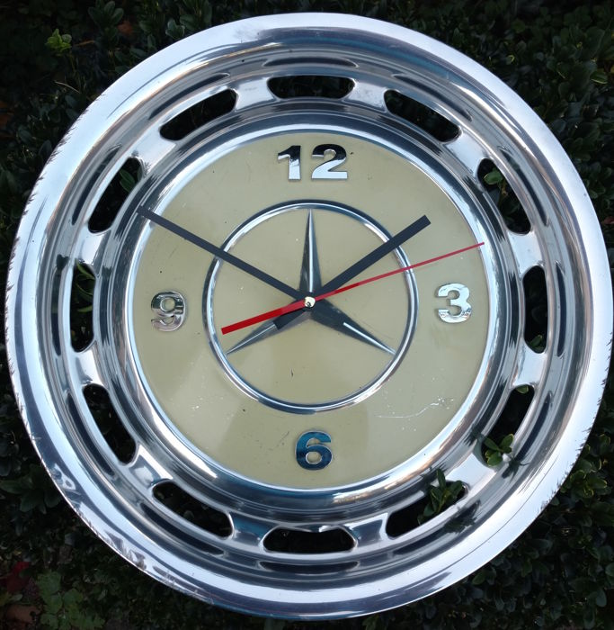 Mercedes benz hubcap clock diameter 39cm cream white for Mercedes benz hubcaps