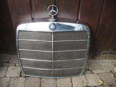 Mercedes - Chrome grille with its star - circa 1960