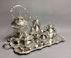 Very extensive silver plated tea- and coffee set on a serving tray, complete with kettle, Calbots of Sheffield, England,