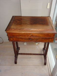 Mahogany sewing table with 2 drawers on a twisted base - The Netherlands - late 19th century