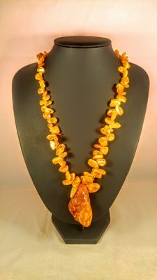 100% Natural Egg yolk colour Baltic amber necklace with pendant, length ca. 57 cm