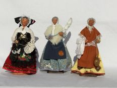 Three beautiful old authentic Santons figurines - Nativity scene figurines - Yolande France