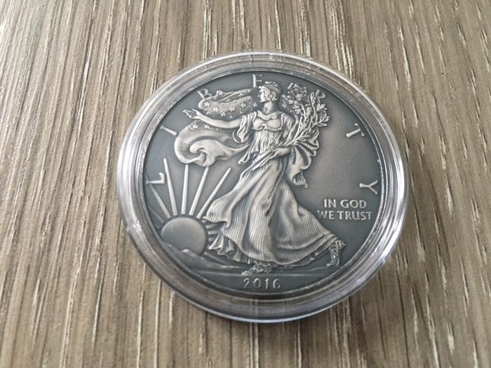 2016 1 Oz Silver $1 AMERICAN  EAGLE ANTIQUE FINISH  Coin.
