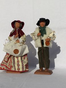 Two beautiful old authentic Santons figurines - Nativity scene figurines - Farmer and his wife - Santons Yolande France