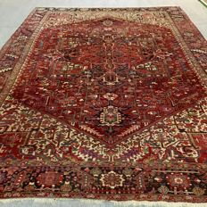460 x 327 cm, large old hand-knotted Persian Heriz, circa 1960