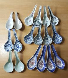 A Lot of Qing, Ming Dynasty Porcelain Spoons - China - 17th/19th century