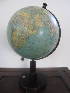 Large trade and traffic globe Prof. Dr. A. Krause - 1925-1935 - the Netherlands