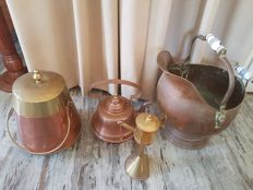A lot with copper household objects