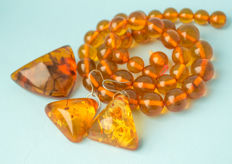 Baltic Amber vintage natural Amber set: necklace, brooch and earrings, butterscotch, egg yolk honey colour, 61 gram