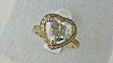 2.85 ct heart shape diamond ring made of 14 kt yellow gold - size 7