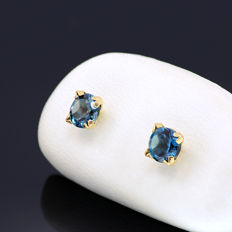 14k/575 yellow gold  earrings with two London blue topazes - Total gemstones weight 0.92 ct.