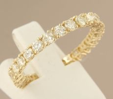 14 kt yellow gold full eternity ring set with 25 brilliant cut diamonds, approx. 1.65 ct in total, ring size 18 (57)