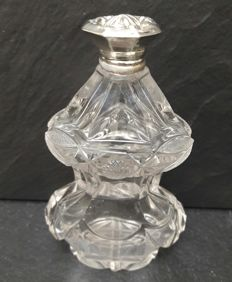 Crystal perfume bottle with silver cap, the Netherlands, c. 1900