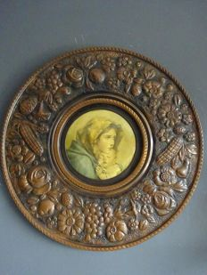 Large copper decorated wall plate with image (48 cm)