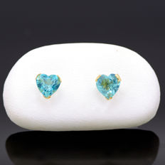 14k/575 yellow gold earrings with two heart-shaped apatites - Total gemstones weight 1.50 ct.