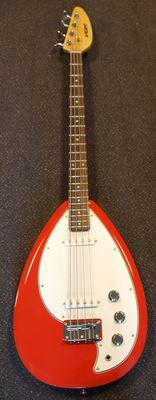 New Vox Teardrop V-Mark III-SR Electric Bass Guitar, Salmon Red met hoes