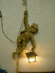 Mountaineer from solid lime wood - hand carved with climbing rope and lighting