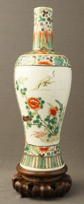 Large famille verte vase with decoration of birds and insects near blossom branches – China – 19th century