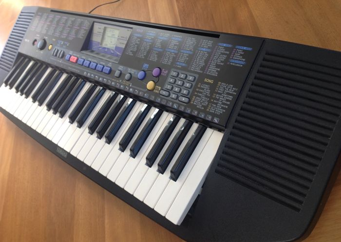 Yamaha PSR-78 Keyboard with 49 keys, 100 sounds, 100