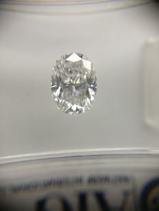 1.02 ct Oval cut diamond D SI1