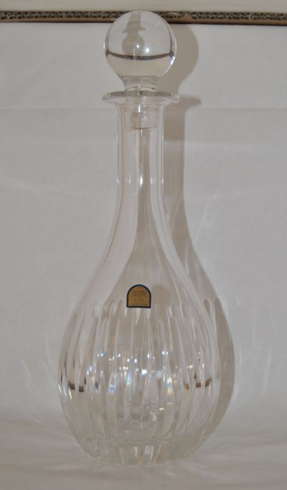 "Wine bottle in lead crystal ""Da Vinci"" hand cut, Colle di van d' Elsa, Tuscany, Made in Italy + 3 crystal glasses + crystal centrepiece + flower vase in cut crystal with decorative insert in silver + ashtray"