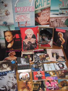 Big Madonna collection off books,records,cd's,cd singels,a mirror+a pillow