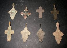 Lot of 8 beautiful medieval crosses - 14th/18th century