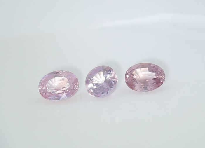Set of 3 Sapphires - 0.45 + 0.35 + 0.34 = 1.14 ct. - no reserve