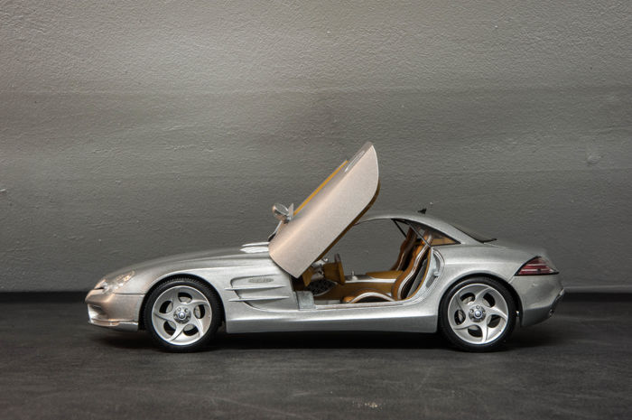 Maisto scale 1 18 mercedes benz vision slr dealer for Mike schmitz mercedes benz dealership
