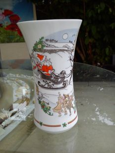 ROYAL DOULTON - : sleigh ride: beautiful vase with a Christmas motif