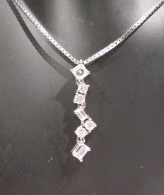 Necklace with Diamonds Pendant 0.51 Ct White Gold 18 Kt, Year 2009, no reserve