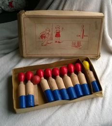 Vintage complete wooden game of skittles with original box Okwa - France - 1950s