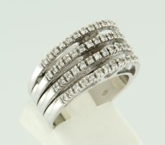 18 kt white gold ring set with 60 brilliant cut diamonds, approx. 0.60 carat in total, ring size 17.5 (55)