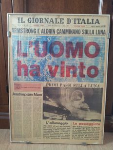 Original first page of the magazine Il giornale d'Italia, for the event of Armstrong and Aldrin landing on the moon on 1969