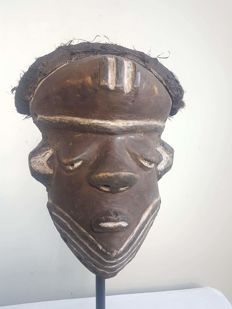 Old African Mbuyu initiation mask - PENDE D.R. Congo