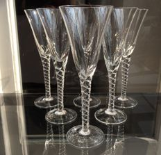 Lot consisting of 6 champagne flutes in fine crystal