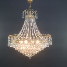 Crystal bag chandelier