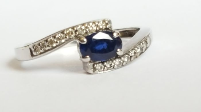 Women's ring 14kt yellow gold  with Blue Sapphire and Diamonds