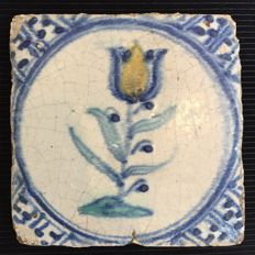 Wanli tile with tulip