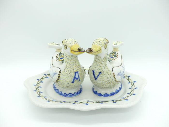 Viana do Castelo School - Ceramic Set of Ducks Cruet and Tray, marked and signed