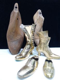Two beech wooden shoe moulds and four brass shoes/boots