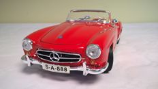 Maisto - Special Edition - Scale 1/18 - Mercedes-Benz 190 SL 1955 - Red