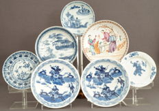 Porcelain platters - China - 18th and 19th century